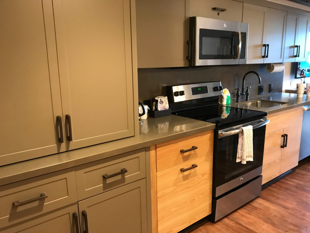 Review and tour of kitchen area in Disney's Copper Creek Villas at Wilderness Lodge