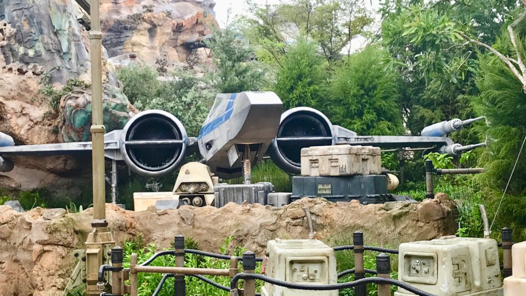 Star Wars Land Fighter ship