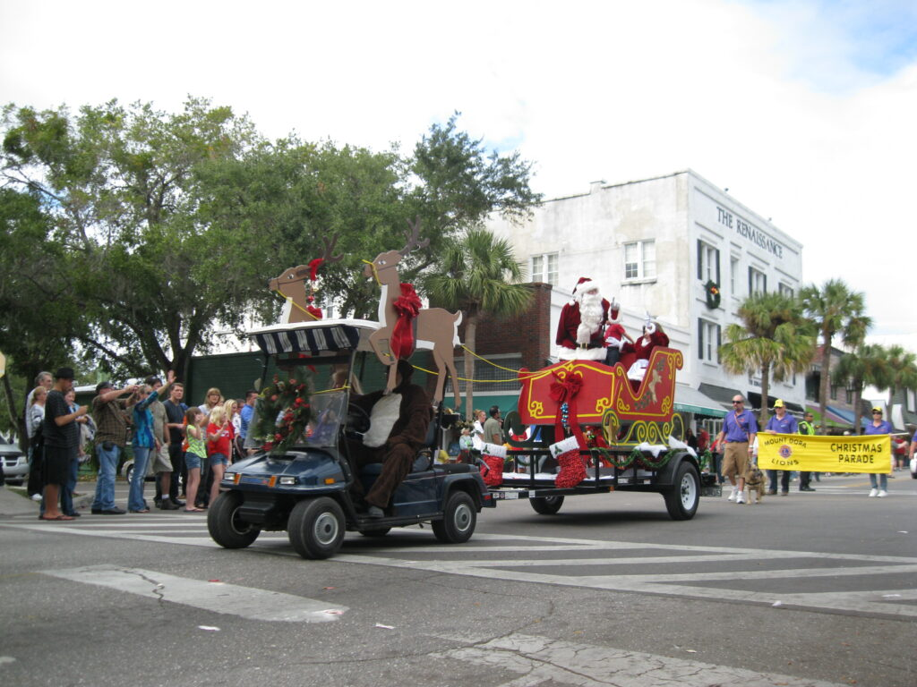 Central Florida Holiday guide for families includes the Mount Dora Christmas parade with Santa